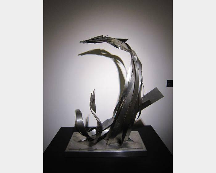 楊英風-海龍 Sea Dragon