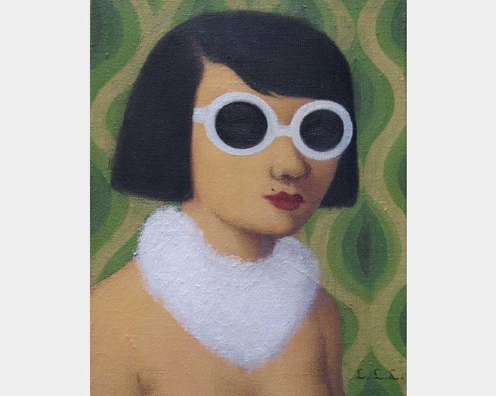 林麗玲-c-03白鏡框與兔毛圍巾