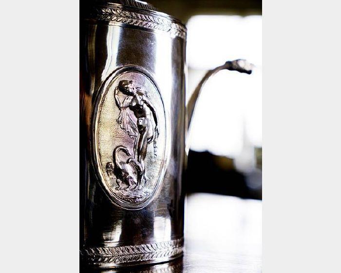 銀器-精美裝飾風格銀壺