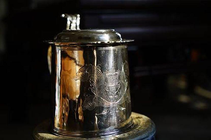 銀器-古老銀杯