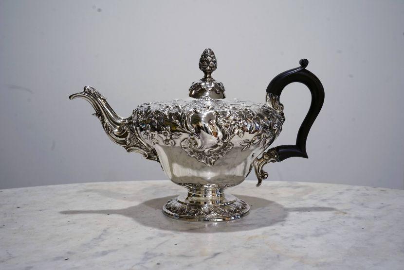 銀器-大不列顛華麗銀壺