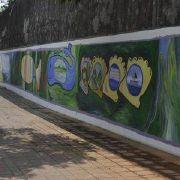 嘉義高中新亮點 楊晉維彩繪60公尺大壁畫
